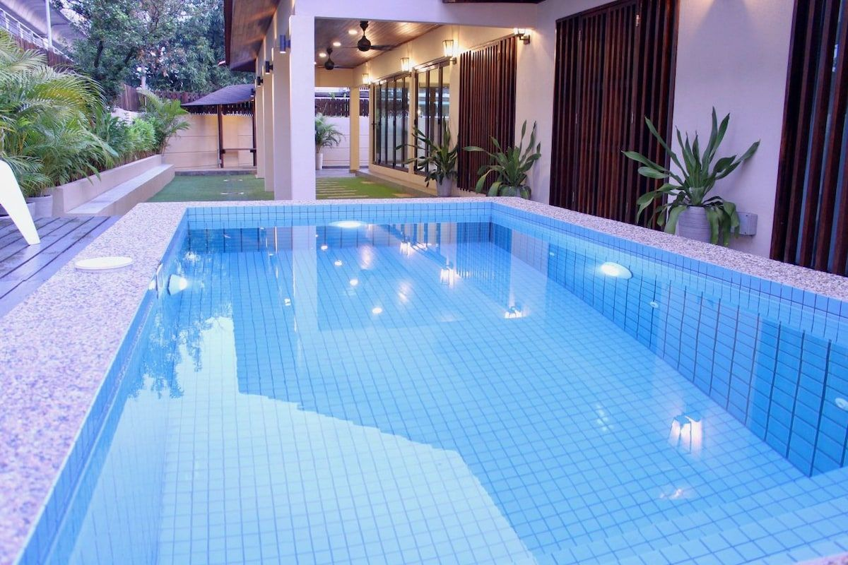 Villa with dipping pool