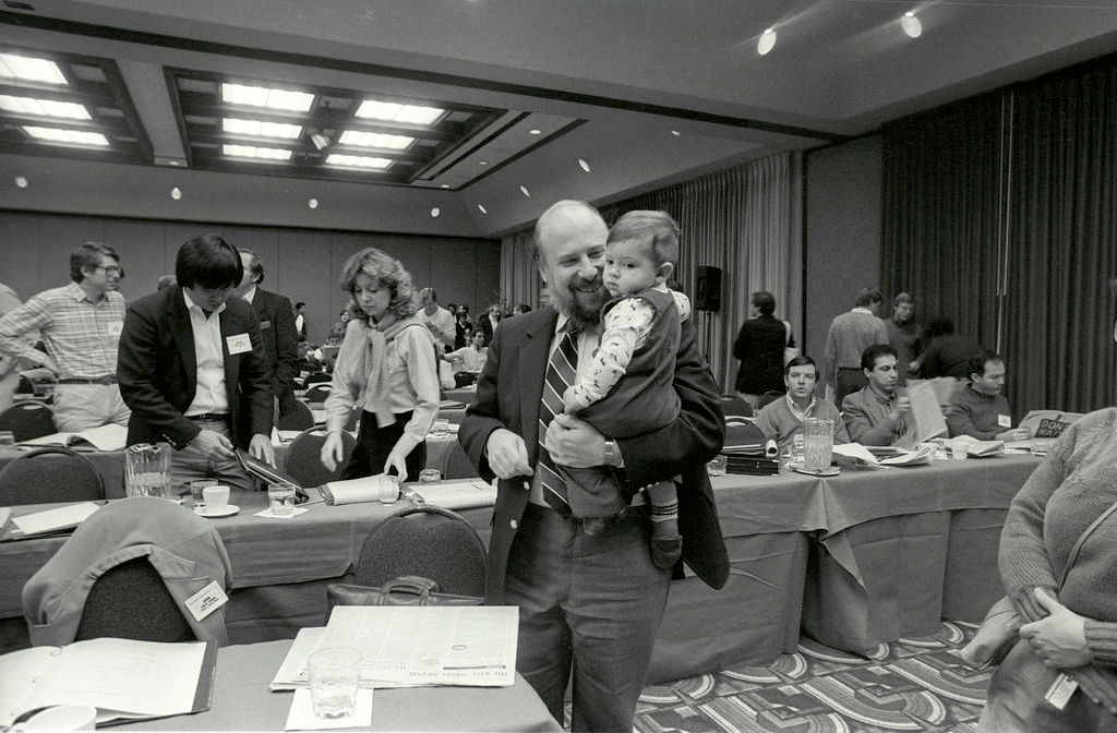 Jef Raskin—Aza's father—holding him at the 1985 PC Forum. Photograph by Ann Yow-Dyson.