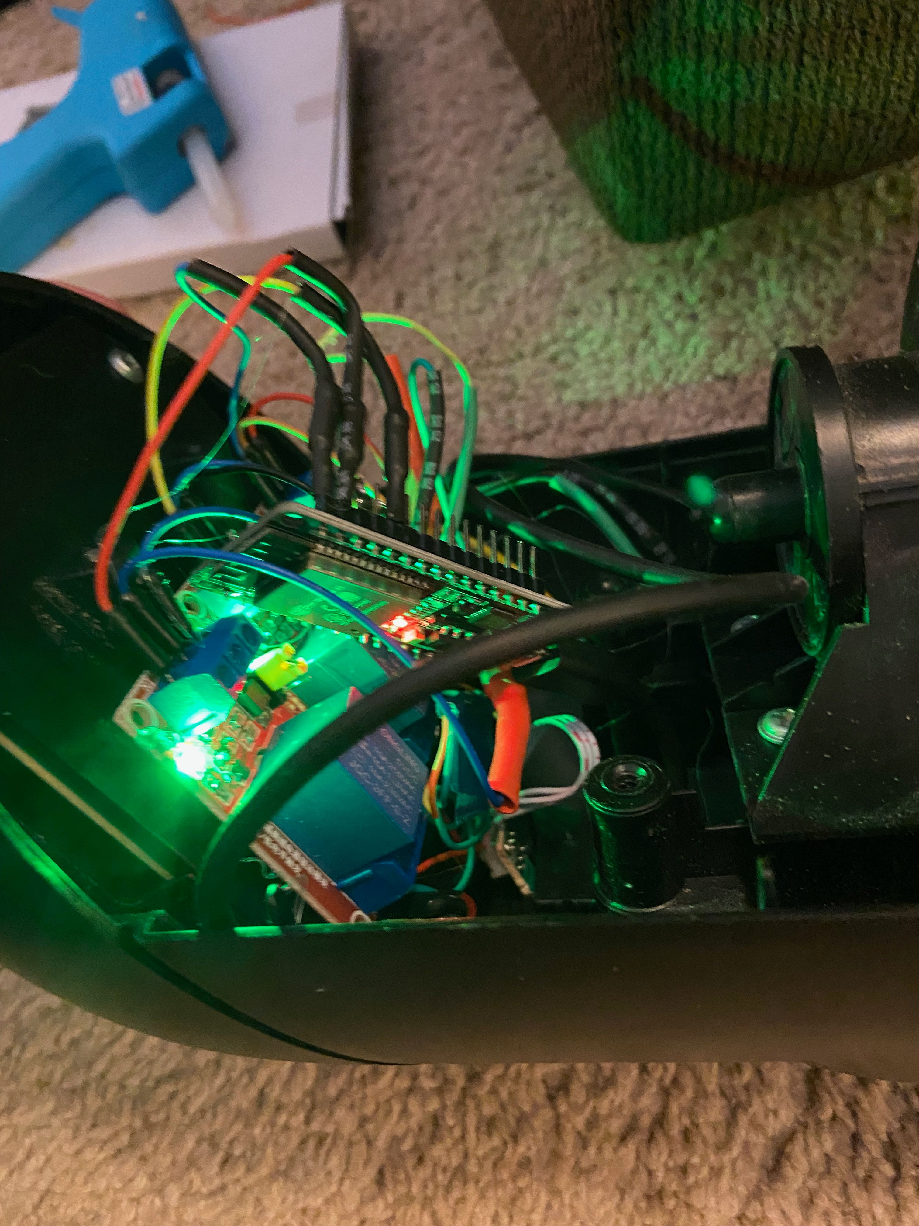 NOTE: Make sure to shield your controller to prevent arcs! I wrapped mine in electrical tape really well so that I could prevent fires. Yes! Fires!