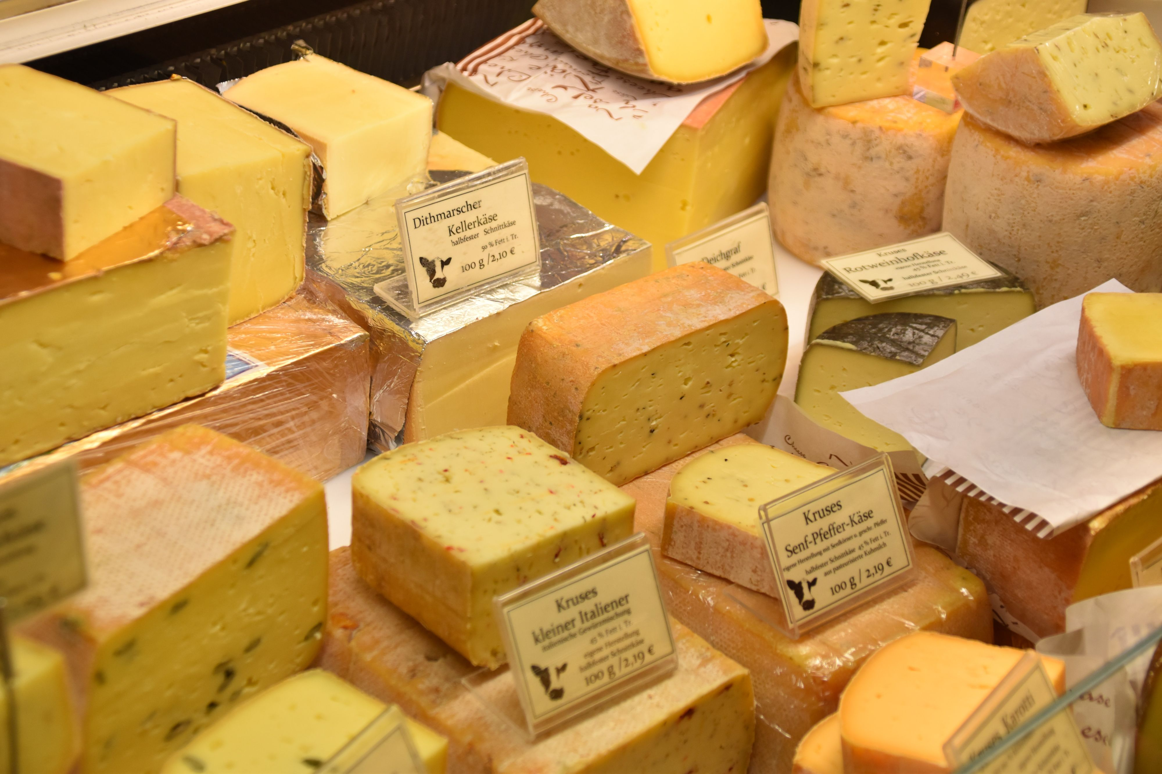 How to Start a Cheese Cutting Board Ecommerce Store This Year