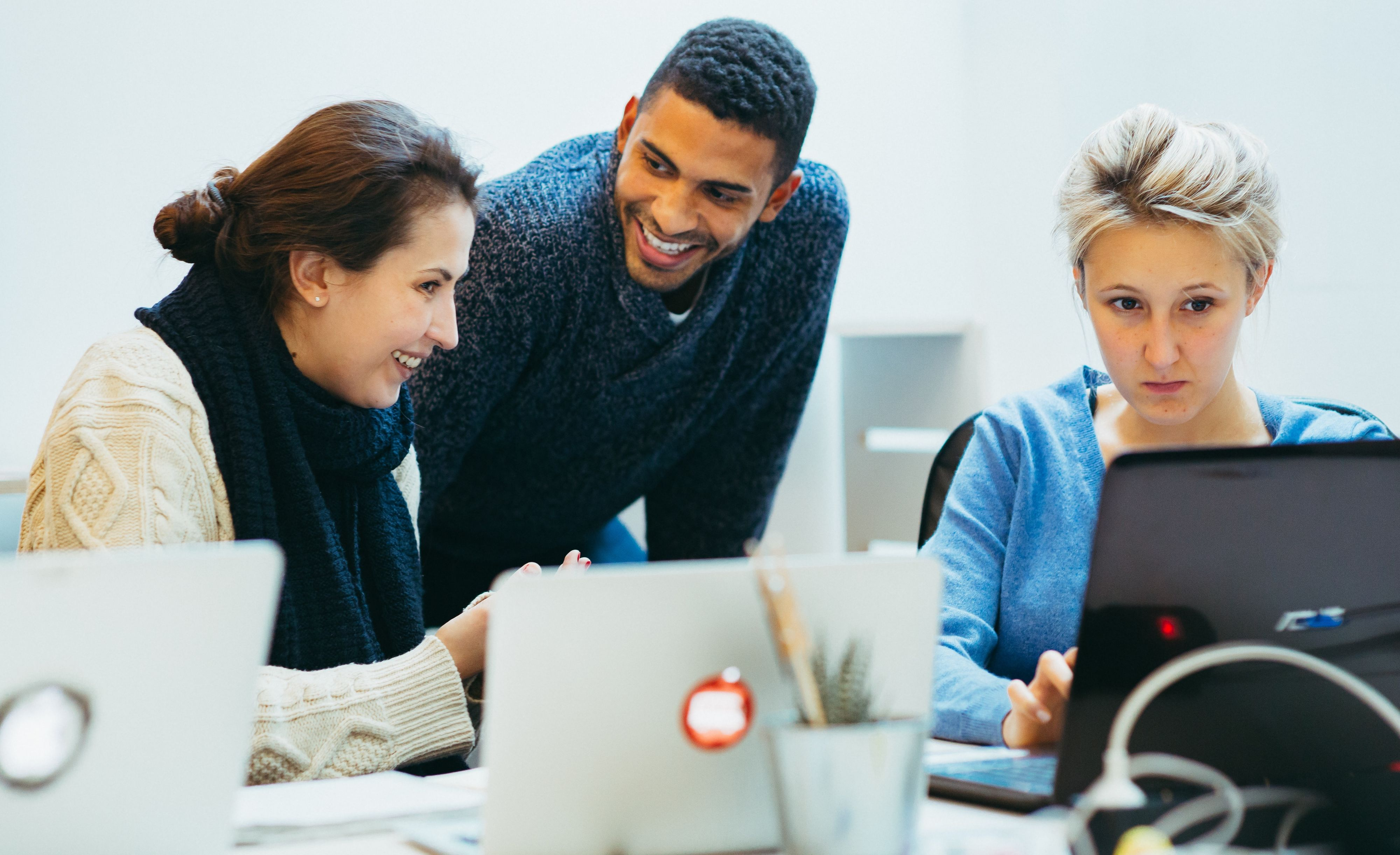 How Leaders Can Use Peer Learning to Supercharge Their Teams